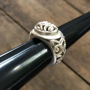 Jewelry - Vintage sterling silver scroll ring
